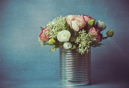 10th Wedding Anniversary Top Gifts  – Tin And Aluminium Present Ideas